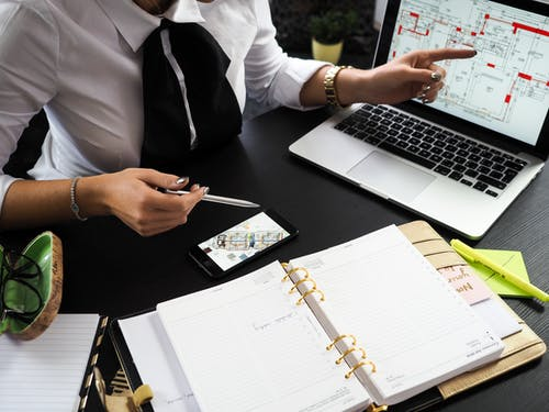 What are the top reasons to hire an architect for projects?
